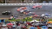 Liela avārija NASCAR sacīkstēs Deitonā