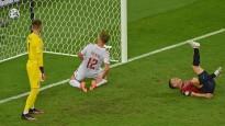 """Dānija notur minimālu pārsvaru un kvalificējas """"Euro 2020"""" pusfinālam"""