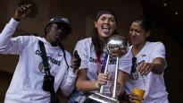 """""""Mēs gribējām <i>nogalināt</i> Džeimsu..."""" WNBA fināla MVP stāsts"""