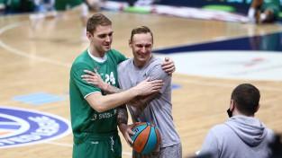 """Freimanis un Bērziņš divatā samet 30 punktus, """"Zielona Gora"""" uzvar Himkos"""