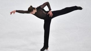Vasiļjevs īsajā programmā ar 14. vietu pietuvojas olimpiskajām spēlēm