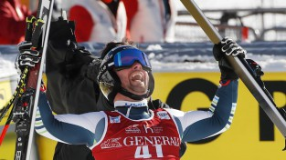 Daudzi pie pirmajām uzvarām tikušie šosezon PK posmos kalnu slēpošanā vīriešiem