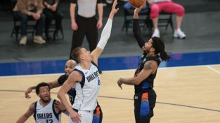 """Porziņģim 23 punkti zaudējumā pret """"Knicks"""", Bertāns izlaiž """"Wizards"""" spēli"""
