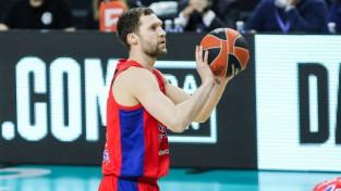 Strēlniekam seši punkti CSKA uzvarā; ''Zenit'' šokē ''Barcelona''