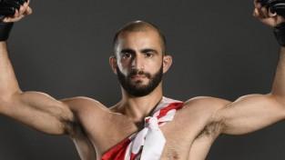 Gruzīns Čikadze uzvar UFC pusvieglajā svarā, amerikānis Batls - vidējā svarā