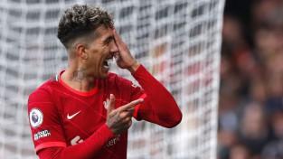 """""""Leicester"""" sešu vārtu trillerī pārspēj MU, Firmino <i>hat-trick</i> pret """"Watford"""""""