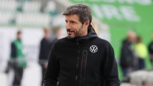 Sezonu briesmīgi sākusī Čempionu līgas dalībniece Volfsburga atlaiž pārsteigto van Bommelu