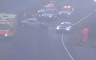 Video: Sacīkstes Nirburgringā aptur pēc daudzām avārijām