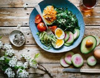 Kā diētas un paradumu maiņa var palīdzēt zaudēt svaru