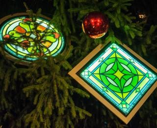 """Festivāla """"Ziemassvētku egļu ceļš"""" apmeklētāji balso par sev tīkamākajiem vides objektiem (+video)"""