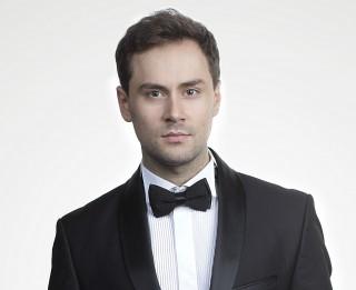 """Mihails Čuļpajevs debitē Almavivas lomā operā """"Seviljas bārddzinis"""""""