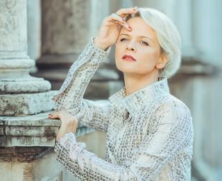 Ivetas Apkalnas solo koncerti notiks septembra nogalē