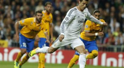 """Ronaldu un strīdīgs noraidījums palīdz """"Real"""" pieveikt """"Juventus"""""""