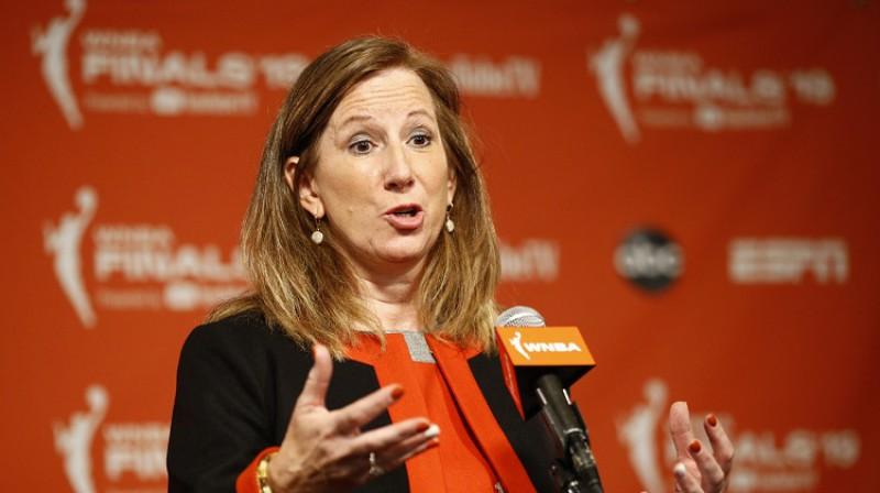 WNBA komisāre Ketija Engelberta. Foto: Scanpix