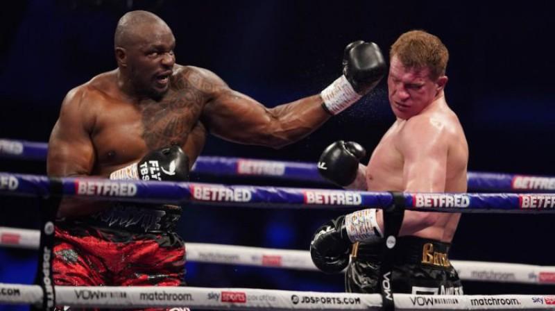 Dilians Vaits pret Aleksandru Povetkinu. Foto: Matchroom Boxing