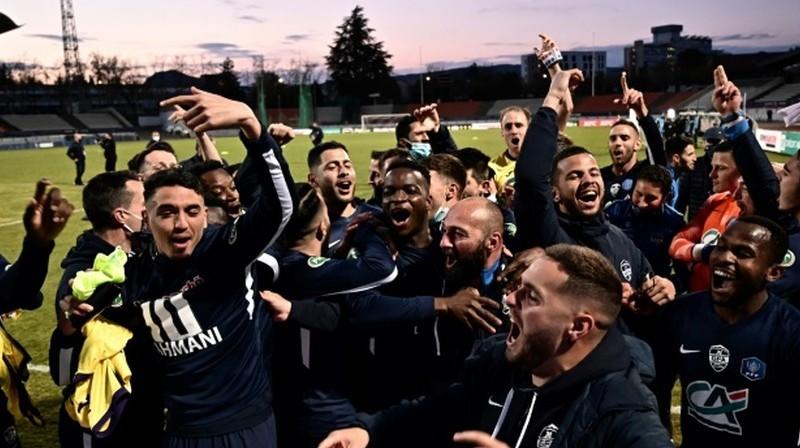 """""""GFA Rumilly-Vallières"""" futbolisti atzīmē panākumu. Foto: AFP/Scanpix"""