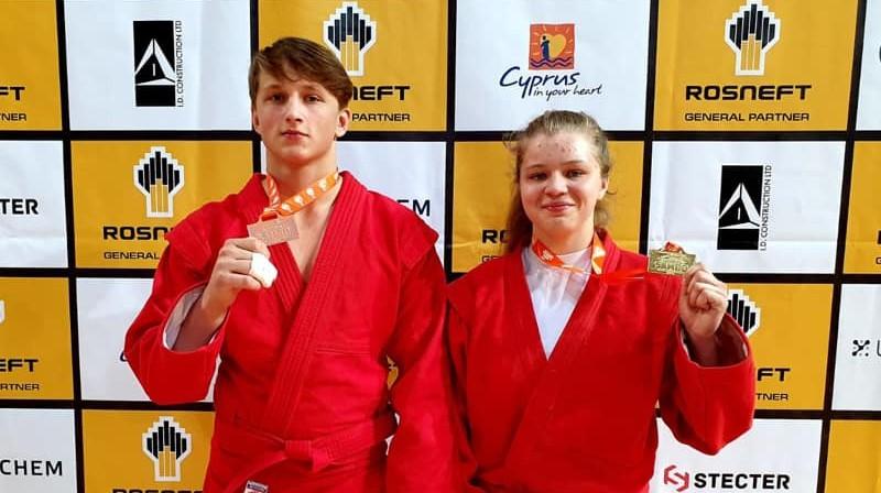 Maksims Duinovs un Marija Seļezņova. Foto: Latvijas Sambo federācija