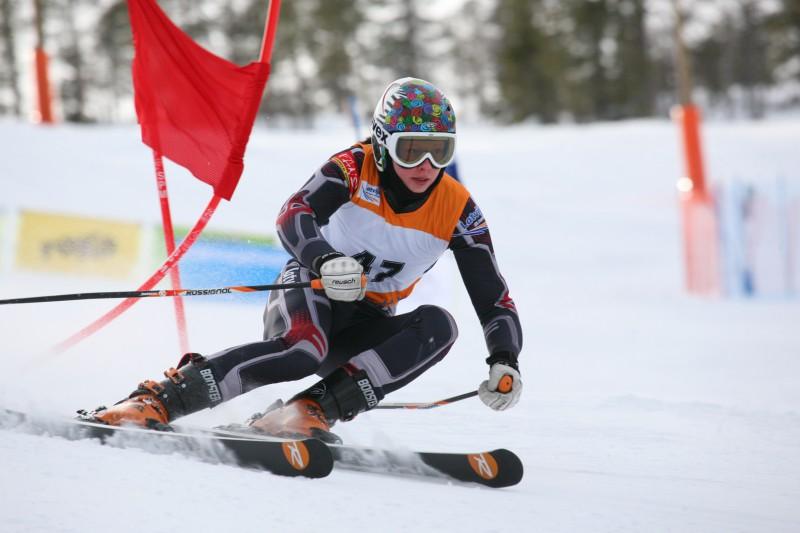 L.Gasūna 10. un M.Zvejnieks 15.vietā milzu slalomā, jaunieši debitē FIS sacensībās