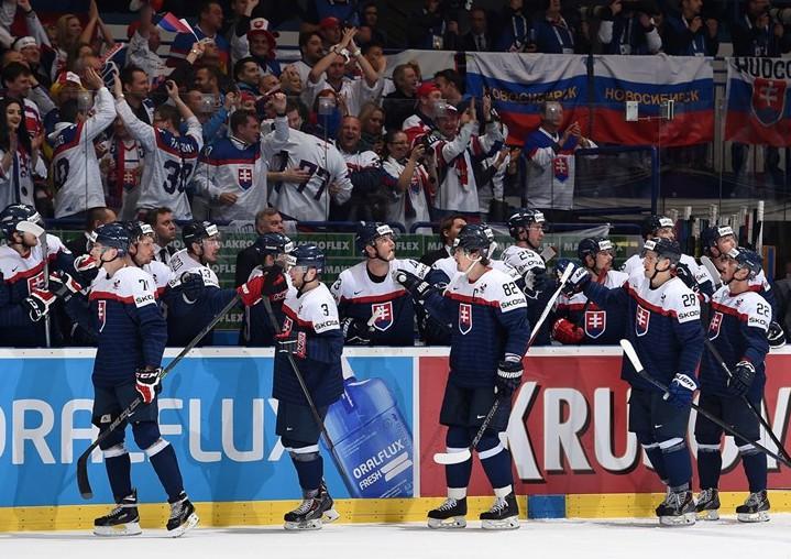 Slovāku hokeja zvaigznes publiski iestājas pret federācijas vadību