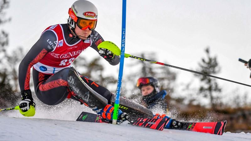 Kalnu slēpotājiem L. Bondarei un M. Zvejniekam 36. un 41. vieta Universiādes supergigantā