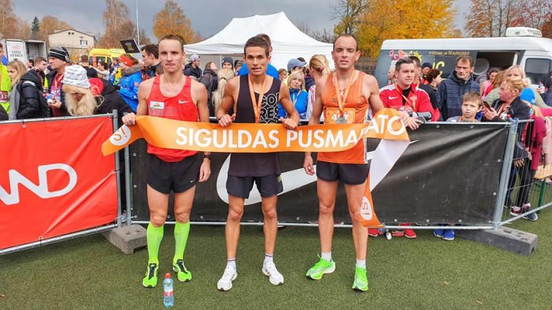Nesen no pasaules čempionāta atbraukušais Serjogins uzvar Siguldas pusmaratonā