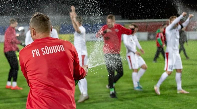 """Lietuvā svin """"Sūduva"""", Zviedrijā drāma pēdējā kārtā - """"Djurgården"""" triumfē otrajā puslaikā"""