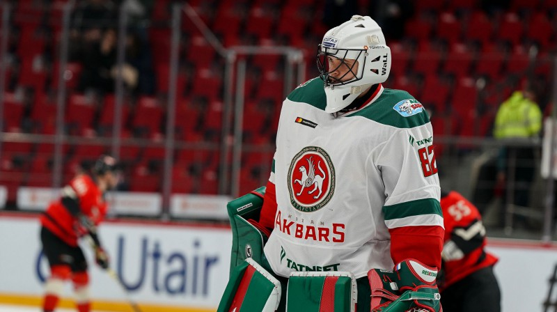 """Toronto """"Maple Leafs"""" izrādot interesi par bijušo Rīgas """"Dinamo"""" vārtsargu Biļalovu"""
