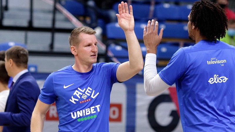 Kaufmaņa un Štelmahera ''Kalev/Cramo'' pārliecinoši pārspēj Siliņa ''Astana''
