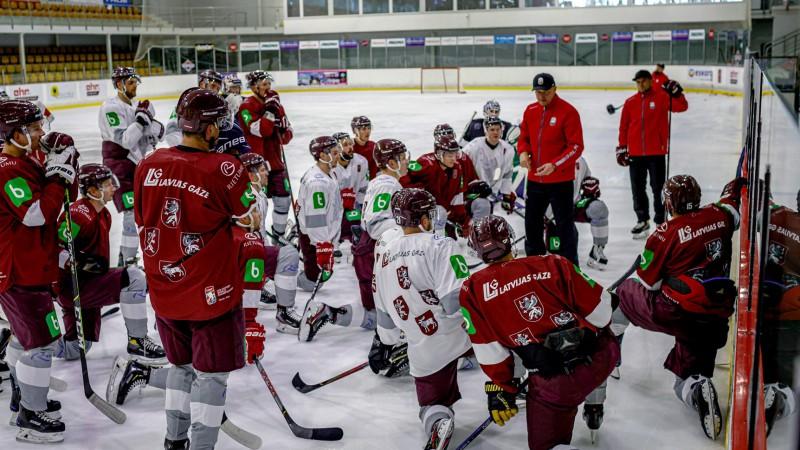 Izlases hokejisti Covid-19 vakcīnas saņems vienā laikā ar olimpiešiem