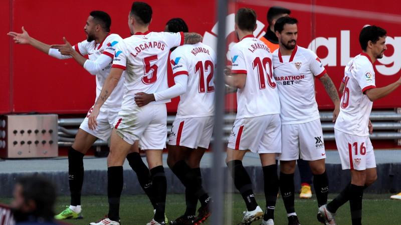"""En Nesiri hat-trick, """"Sevilla"""" piecu vārtu spēlē pieveic """"Real Sociadad"""""""