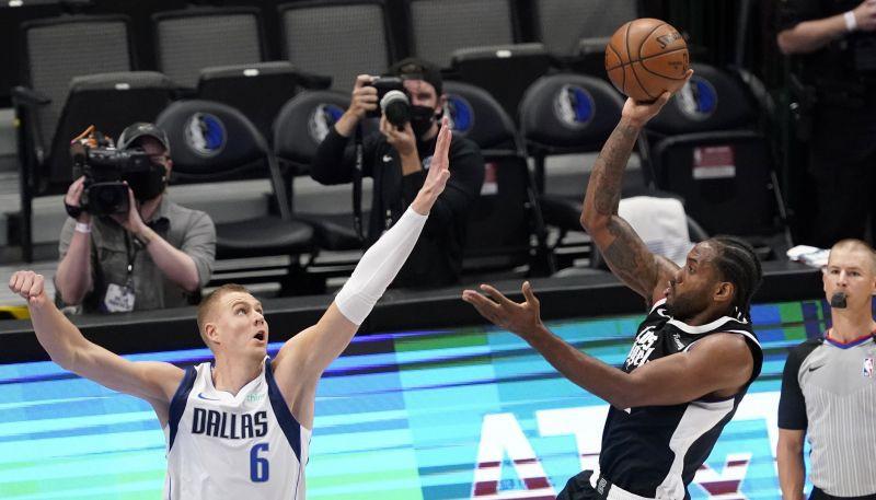 """Porziņģim 18+5, """"Mavericks"""" vājš uzbrukums, """"Clippers"""" panāk izlīdzinājumu sērijā"""