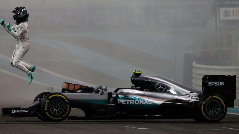 """Rosbergs: """"Redzot, cik strādā Volfs, negribu būt F1 komandas vadītājs"""""""