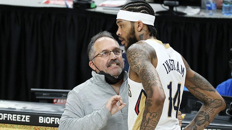 """Vēl viena treneru vakance - """"Pelicans"""" pēc tikai viena gada šķiras no Van Gandija"""