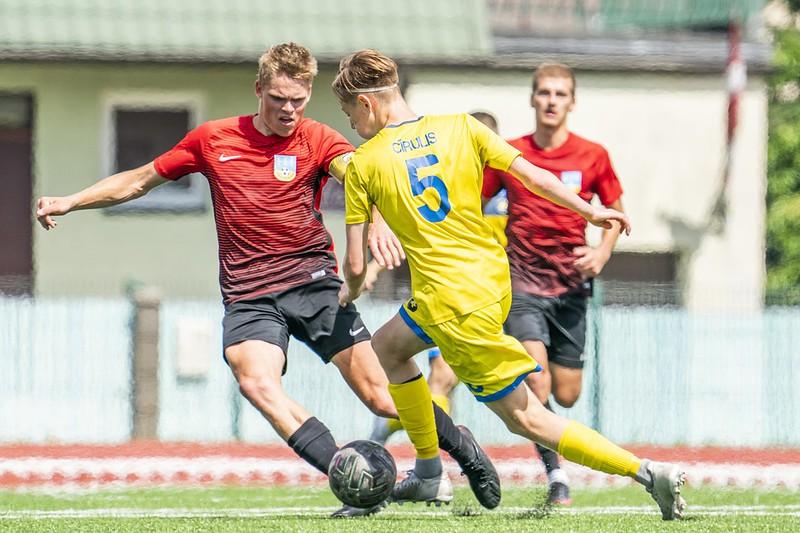 FK ''Smiltene/ BJSS'' jaunās sezonas atklāšanas spēlē sestdien uzņems Saldus vienību