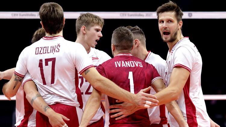 Latvija vēlreiz izlaiž 2-1 pārsvaru un svarīgā cīņā zaudē Slovākijai