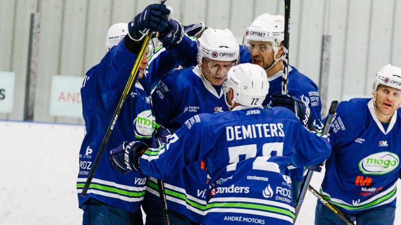 """""""Mogo"""" graujošajā uzvarā vārtus gūst deviņi hokejisti, ''Rīga'' pārspēj ''Dinaburgu''"""