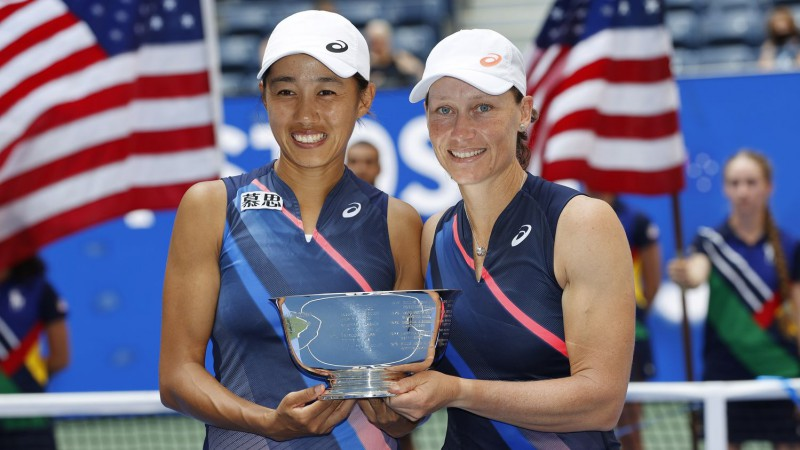 """Stousura pēc 16 gadu pārtraukuma uzvar """"US Open"""" dubultspēļu turnīrā"""